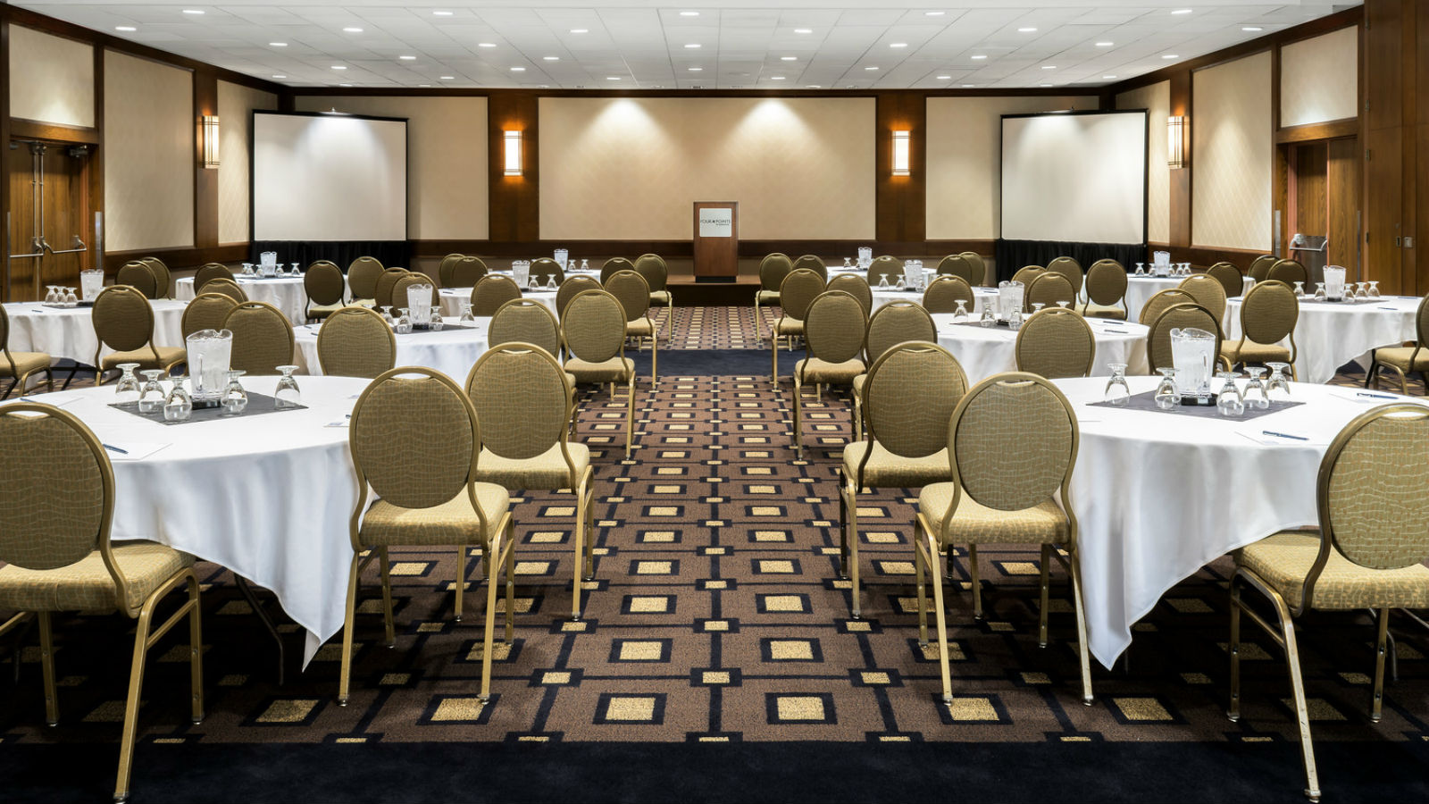 Meeting Rooms Near Toronto Airport - Windsor Ballroom